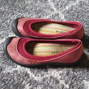 Keen Flat Red